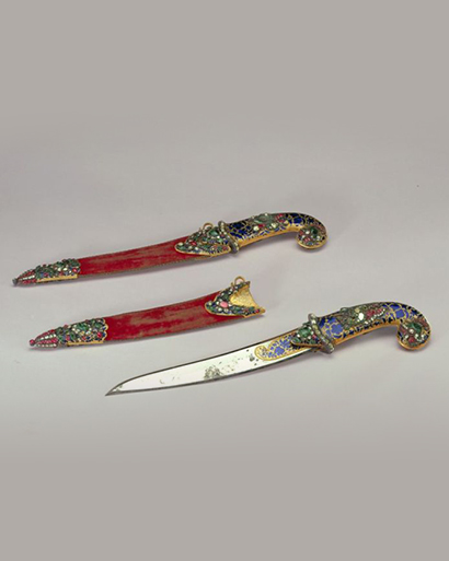 金烧蓝镶天然钻石宝石绒鞘匕首